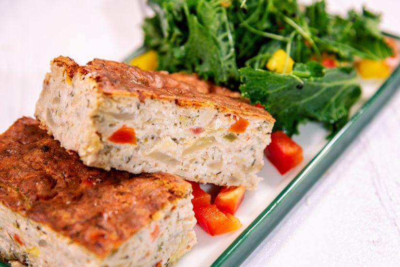 Plăcintă din varză acră cu brânză și mărar