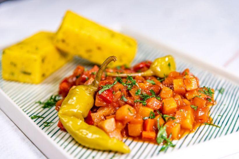 Mâncare de mazăre si frunze de salată