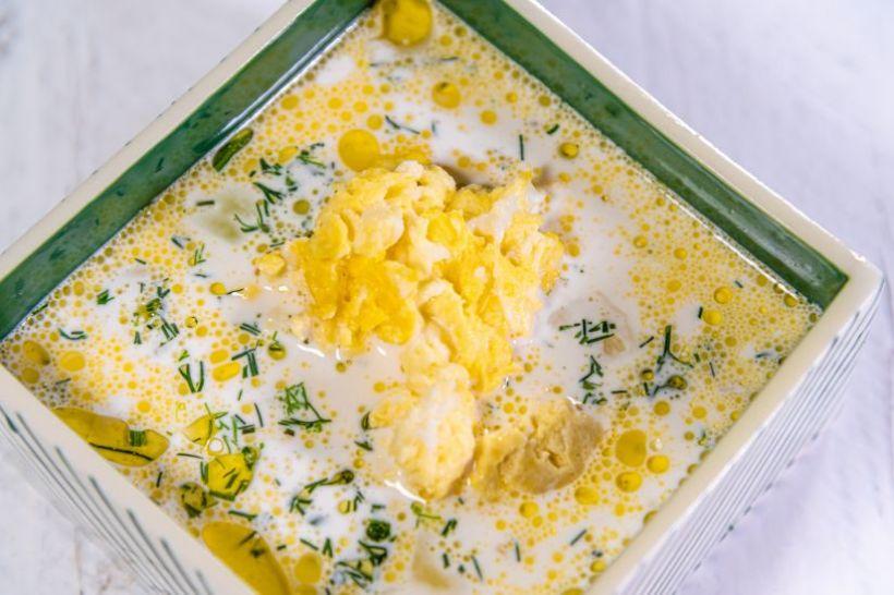 Supă de varză albă cu legume, crutoane
