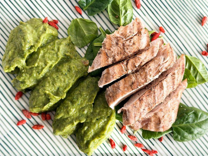 Pulled duck si risotto de orz cu piure de spanac