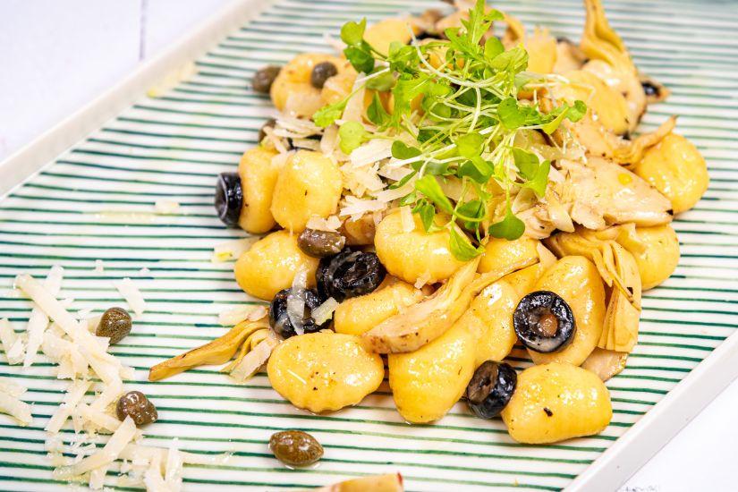 Gnocchi cu anghinare, parmezan și măsline
